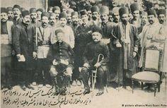 فاتحان تهران در مشروطه سپهدار اعظم محمد ولی تنکابنی به همراه سردار اسعد بختیاری سال ۱۹۰۹ میلادی