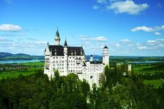 Neuschwanstein Castle, Bavaria, Germany | Amazing Photography Of Cities and Famous Landmarks From Around The World Best Vacation Spots, Best Vacations, Amazing Photography, Travel Photography, Castle Pictures, Neuschwanstein Castle, Famous Landmarks, Going On Holiday, Beautiful Places In The World