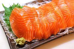 yummy!!!! Sashimi Sampler:  Salmon sashimi (six pieces): 156 Yellowtail sashimi (six pieces): 165 Miso soup: 40 Seaweed salad: 59 Low-sodium soy sauce (2 tablespoons): 20  Total Calories: 440 calories Source: Flickr User [puamelia]