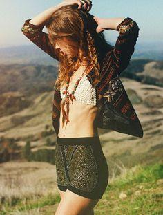 Boho Look | Bohemian boho style hippie chic bohème vibe gypsy fashion indie folk the 70s festival style cherokee