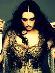 I will never stop loving this photo! She looks like a vengeful Ophelia!