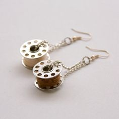 Diy Earrings Making, Diy Crafts For Gifts, Everyday Objects, Bead Earrings, Gold Beads, Jewelry Crafts, Washer Necklace, Jewelery, Crochet