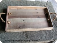 AKM designs and delights: DIY Pallet Wood Tray - Tutorial   Visit & Like our Facebook page! https://www.facebook.com/pages/Rustic-Farmhouse-Decor/636679889706127