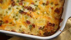En el episodio 25 del programa de televisión La cocina fácil de Anna Olson, la cocinera Anna Olson prepara una receta de Patatas al horno (Loaded potato...