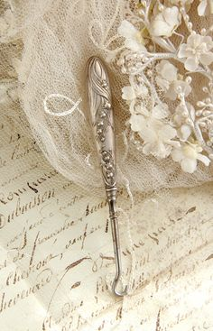Lily of the Valley Button Hook antique