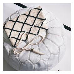 "Pochette ""Bandoulière"" crème et noire, Collection Kilim Fashion Backpack, Backpacks, Bags, Shopping, Collection, Style, Clutch Bags, Necklaces, Black People"
