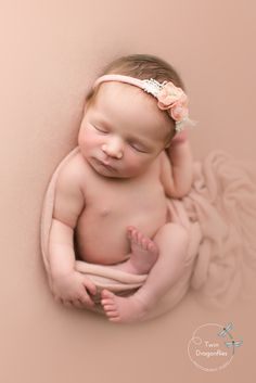 Newborn girl in relaxed pose on pink backdrop. Coeur d'Alene Newborn and Family Photographer Newborn Baby Photography, Newborn Session, Newborn Photographer, Children Photography, Pregnancy Photography, Girl Photography, Family Photographer, Newborn Family Pictures, Newborn Photos