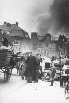 Vermeerstraat, huizen Heydenrijckstraat in brand gestoken door NSB-ers en wegtrekkende Duitsers