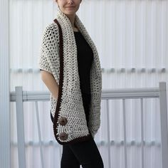 This Easy Crochet pattern Beginner crochet Patron crochet AZALI is just one of the custom, handmade pieces you'll find in our patterns & blueprints shops. Crochet Wrap Pattern, Crochet Poncho, Crochet Scarves, Crochet Clothes, Free Crochet, Crochet Patterns For Beginners, Easy Crochet Patterns, Patron Crochet, Crochet Woman