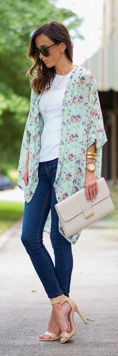 That floral mint kimono is to die for, and I'm loving the chic styling here - different from the boho festival look you usually see