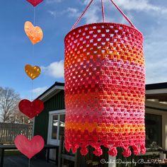 DIY - Festive o colorful crocheted lanterns Crochet Lamp, Catania, Dahlia, Raspberry, Have Fun, Aqua, Knitting, Creative, Diy