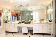 The Real Housewives of Beverly Hills Photos   Tour Kyle Richards' Home (and Closet!)