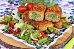 Roladki z mięsa mielonego faszerowane szparagami Salmon Burgers, Bob, Ethnic Recipes, Bob Cuts, Bob Sleigh, Bobs