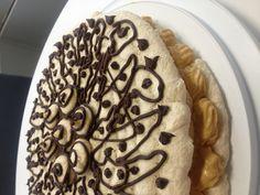 Praline buttercream dacquoise by Choux La La! Dacquoise, Dessert Ideas, Pancakes, Cookies, Baking, Breakfast, Desserts, Food, Bread Making
