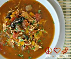Chicken Fajita Soup – Low Carb, Paleo, Gluten Free via @PeaceLoveLoCarb