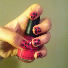 So cute and so easy! Just pick two colors of nail polish. Use the first one to normally paint your nails. Take the second color and make random dots on each nail. Then take black, and using a tooth pick, outline the dots. Viola! Cheetah print.
