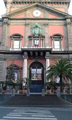 L'Entrata del Museo Archeologico Nazionale di Napoli!!!