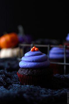 Halloween Vegan Chocolate Cupcakes