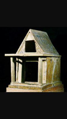 Modellino di tempio, ca 700 a.C.Terracotta dipinta. Da Heraion di Argo. Oggi conservato presso Atene,Museo Archeologico Nazionale.