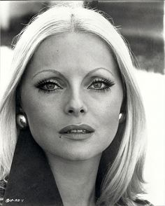 Virna Lisi Born Virna Pieralisi 8 November 1936 Ancona, Italy Died 18 December 2014 (aged Rome, Italy Cause of death Cancer Nationality Italian Occupation Actress Years active Spouse(s) Franco Pesci his death) Children Corrado Pesci (b. Classic Actresses, Female Actresses, Beautiful Actresses, Hollywood Actresses, Actors & Actresses, Vintage Hollywood, Classic Hollywood, Foto Top, Italian Actress