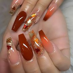 Semi-permanent varnish, false nails, patches: which manicure to choose? - My Nails Fall Nail Art Designs, Beautiful Nail Designs, Acrylic Nail Designs, Burgundy Nail Designs, Orange Nail Designs, Perfect Nails, Gorgeous Nails, Pretty Nails, Cute Fall Nails