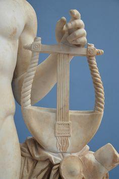 Detail of the statue of Apollo holding the kithara, from the Temple of Venus (Casino Fede) at Hadrian's Villa, Ny Carlsberg Glyptoteket Apollo Statue, Poseidon Statue, Apollo Mythology, Greek Mythology, Roman Mythology, Aphrodite, Apollo Aesthetic, Apollo Greek, Greek Pantheon