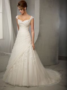 Charming Sheath/Column Straps Sleeveless Tulle Applique Court Train Wedding Dresses 10990123 - Tulle Wedding Dresses - bridalup.Com
