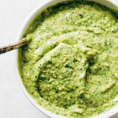 5 Minute Magic Green Sauce – SO AWESOME. Made with easy ingredients like avocado… 5 Minute Magic Green Sauce – Avocado Hummus, Avocado Cilantro Dressing, Avocado Salat, Avocado Toast, Guacamole, Pesto, Sauce Recipes, Cooking Recipes, Healthy Recipes