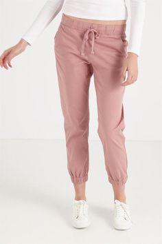 the cuffed chino Soft Summer, Pants For Women, Khaki Pants, Soul Food, Womens Fashion, Pink, Cotton, Stuff To Buy, Ootd