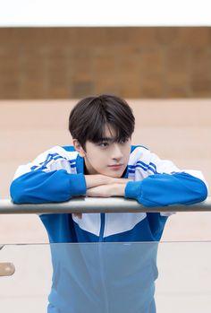 Korean Boys Ulzzang, Cute Korean Boys, Ulzzang Boy, Cute Boys, Asian Boys, Handsome Korean Actors, Handsome Boys, Place Of Birth, Chinese Boy