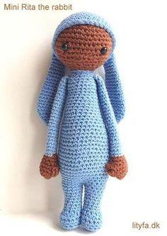 Free amigurumi doll dressed as bunny rabbit