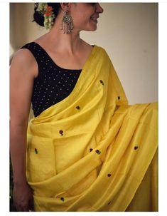 Simple Sarees, Trendy Sarees, Stylish Sarees, Cotton Saree Blouse Designs, Saree Blouse Patterns, Indian Attire, Indian Outfits, Saree Look, Elegant Saree
