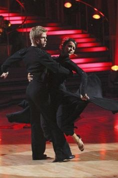 Still of Jennifer Grey and Derek Hough in Dancing with the Stars (2005)