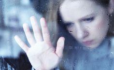 Betroffene schämen sich für ihre Depressionen und versuchen diese zu verheimlichen...
