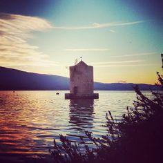 La laguna di Orbetello al tramonto ci regala sempre dei fantastici colori. - Orbetello lagoon at sunset always gives us the fantastic colors.  TuscanyPeople.com People and Stories of Tuscany complete guide to TuscanyLifestyle. ...  ...  ...  #Tuscany #Toscana #TuscanyPeople #MadeinTuscany #ILoveTuscany #MadeinItaly #LifeStyle #TuscanyWine #TuscanyLifestyle #InstaTuscany #InstaToscana  #TuscanyGram #TuscanyExperience #Toskana  #TuscanyStyle #IgerToscana #IgerItalia #Italy #Italia #Art #Arte…