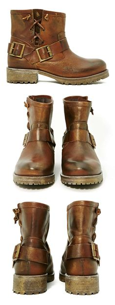 I want a pair....seriously...I love these boots!