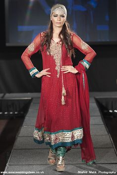 Pakistani fashion shows dresses for mother
