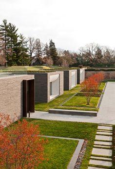 Lakewood Cemetery Garden Landscape by Halvorson Design Partnership. Photo © Paul Crosby.