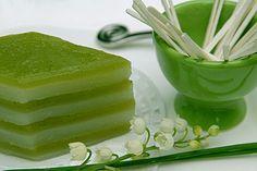 Tasty Thai, Thai Dessert, Asian Desserts, Vegan Kitchen, Thai Recipes, Chinese Recipes, Chinese Food, Celery, Dessert Recipes