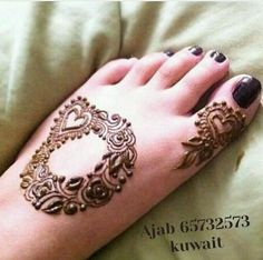 Beautiful henna design on feet Leg Mehndi, Leg Henna, Legs Mehndi Design, Foot Henna, Mehndi Design Pictures, Mehndi Images, Mehndi Tattoo, Henna Tattoo Designs, Mehendi