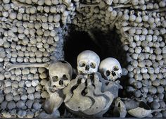 File:Ossuary in Sedlec.JPG