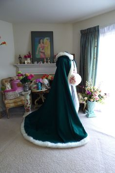Celtic Green Bridal cape Emerald/ White Satin  65-inch with Fur Trim Wedding Cloak Handmade in USA by capeandcrown13 on Etsy