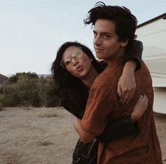 Cole Sprouse I WISH THIS WAS ME :,)