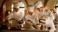 Lindt Maitre Chocolatier mit Schwingbesen / with swirl. Chocolat Lindt, Les Artisans, Mood Pics, How To Become, Google, Atelier, Search