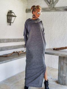 Grauer Winter Wolle Rollkragenpullover Maxi von SynthiaCouture