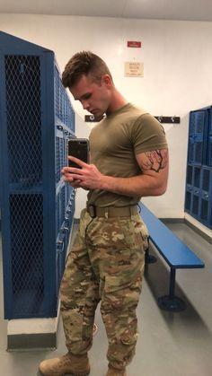 (6) Tumblr Hot Army Men, Sexy Military Men, Military Love, Camo Men, Beautiful Men Faces, Bear Men, Men In Uniform, Raining Men, Good Looking Men