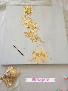 paint canvas, impasto paste modeling paste (thick to add texture), glue then add gold leaf flakesAttached frame with staple gun. LiveLoveDIY: How To Make Gold Leaf Art (Round Two)!decor - art - DIY - gold leaf flakes instead of sheetsDIY Gold Leaf Pa Art Diy, Diy Wall Art, Leaf Wall Art, Art Feuille D'or, Bild Gold, Cuadros Diy, Gold Leaf Art, Painting With Gold Leaf, Gold Leaf Paintings