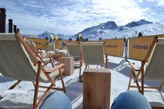 """Traumhaftes Bergpanorama mit Sicht aus der Chillisy® Mountain Lounge - """"Go for Gold"""" in Sölden am Giggijoch Berg, Lounge, Gold, Airport Lounge, Drawing Rooms, Lounges, Lounge Music, Family Rooms, Yellow"""