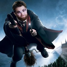 After a teaser trailer late last year, Pokemon Go developer Niantic has revealed more about its next AR game, Harry Potter: Wizards Unite. Harry Potter Hermione, Harry Potter Tumblr, Harry Potter Life Quiz, Harry Potter Games, Harry James Potter, Harry Potter World, Daniel Radcliffe, Pokemon Go, Lord Voldemort