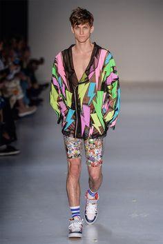 BRASIL S/S 16 | São Paulo Fashion Week | AMAPÔ | 90's mood